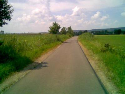 http://blog.pioder.pl/upload/klokowice_droga.jpg